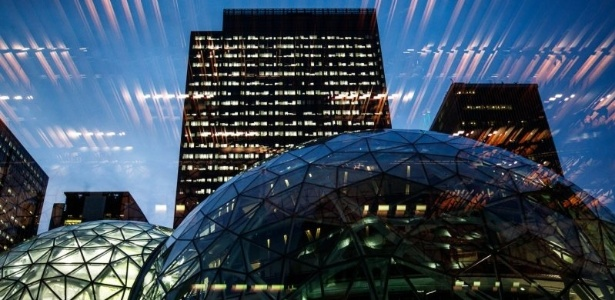 A sede da Amazon.com em Seattle acaba de ganhar esferas de vidro - Divulgação/Amazon