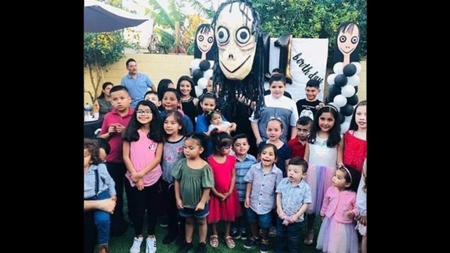 ddb26b1b9c Boneca Momo do WhatsApp virou festa de aniversário de crianças mexicanas