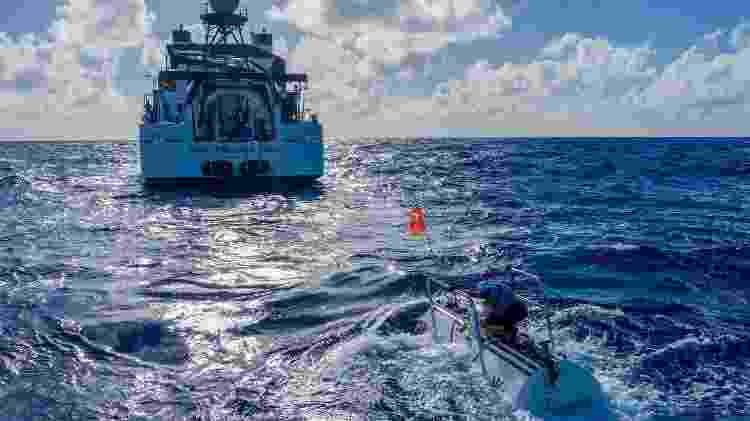 O novo mergulho recordista chegou a uma profundidade de 10.927m - Discovery Channel/Tamara Stubbs/Reuters - Discovery Channel/Tamara Stubbs/Reuters