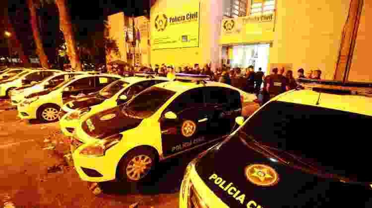 Movimentação na DH durante operação contra milícia de Orlando Curicica - Jose Lucena/Futura Press/Estadão Conteúdo