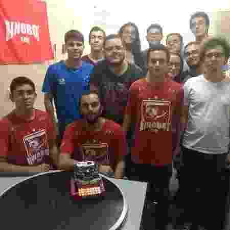 Equipe da Rinobot, vencedora de torneio nacional de Sumô Lego - Daniel Leite/UOL - Daniel Leite/UOL