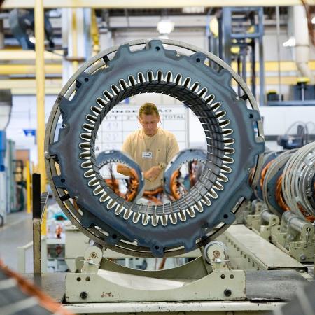 Linha de montagem da Weg: empresa teve bons resultados, tanto no Brasil quanto no mundo - Getty Images