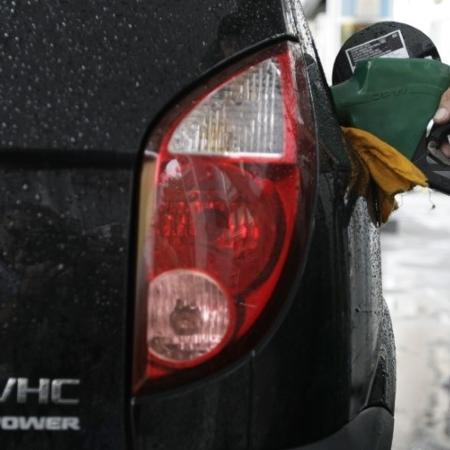 Veículo abastecido a etanol no Rio de Janeiro (RJ) - Sergio Moraes
