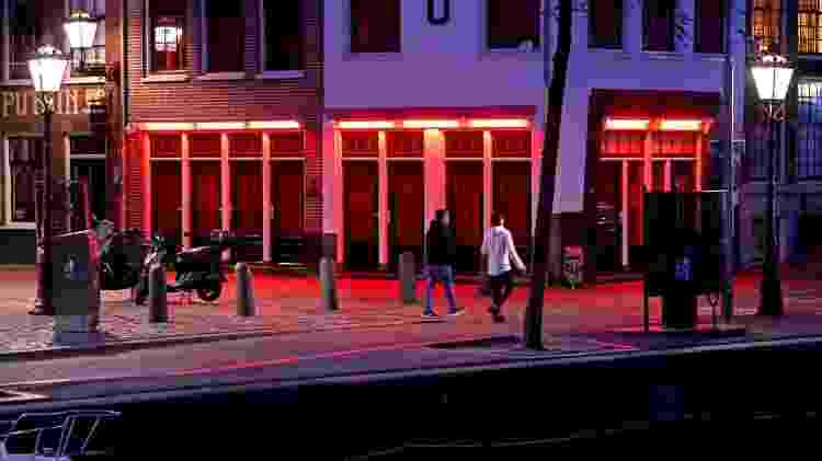 Bares, cafés e restaurantes holandeses devem observar distanciamento social na Holanda - Getty Images - Getty Images