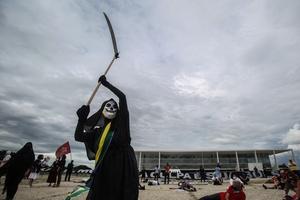 Movimento suprapartidário faz ato pró-impeachment de Bolsonaro em Brasília  (Foto: Gabriela Biló/ESTADÃO CONTEÚDO)