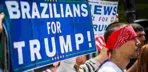 Manifestantes realizam ato a favor do candidato republicano à Presidência dos EUA Donald Trump, na avenida Paulista - Edson Lopes Jr./UOL
