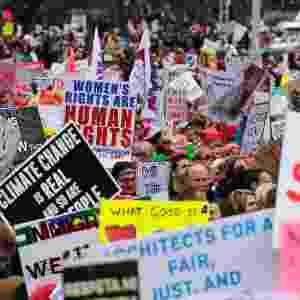 21.jan.2017 - Milhares se reúnem para a Marcha das Mulheres, em protesto contra Donald Trump, em Washington - REUTERS/Jonathan Ernst
