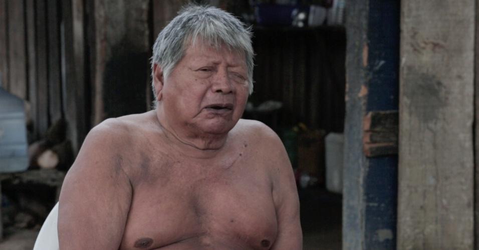 1º.dez.2017 - Para o cacique mais velho da aldeia Djudjeko, Botxiê Xikrin, não se alimentar do peixe vindo do rio Cateté é mais prejudicial para os mais idosos, que não comem peixe congelado