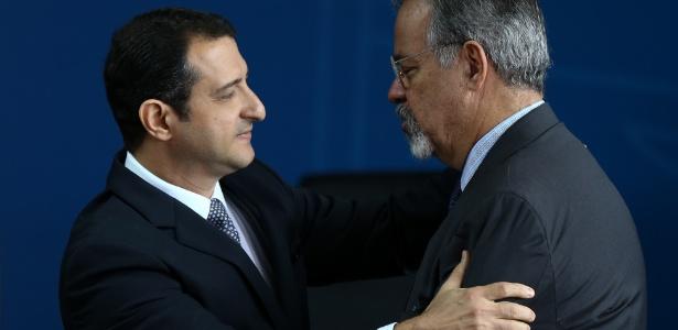 Rogério Galloro toma posse como diretor-geral da PF e é cumprimentado por Jungmann