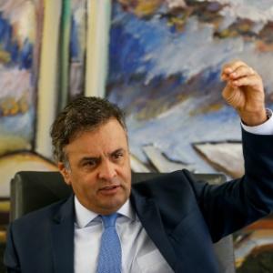 O senador Aécio Neves (PSDB-MG) em seu gabinete no Senado Federal - Pedro Ladeira/Folhapress