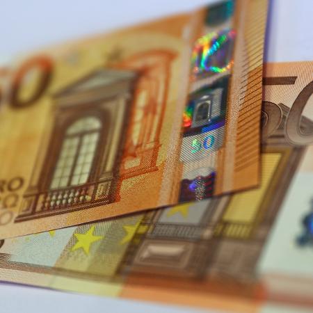 Economia da zona do euro contraiu menos do que o esperado no quarto trimestre de 2020 em meio aos lockdowns provocados pela pandemia - Reuters