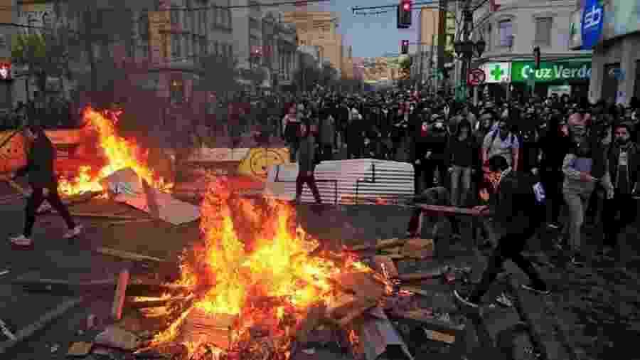 20.out.2019 - Alta em tarifa de metrô detonou maior onda de protestos em décadas no Chile - AFP