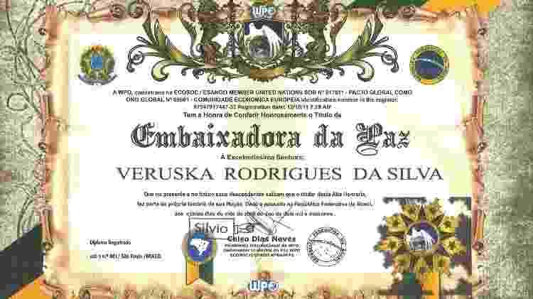 Diploma de Embaixadora da Paz de Veruska Rodrigues, que concorreu nas últimas eleições pelo PSL - Divulgação - Divulgação