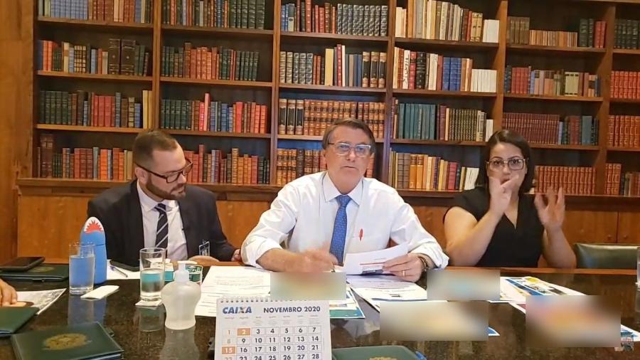O presidente Jair Bolsonaro (sem partido), durante sua live semanal - Reprodução/Facebook