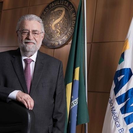 César Eduardo Fernandes criticou o uso de remédios não eficazes contra o novo coronavírus - Divulgação/AMB