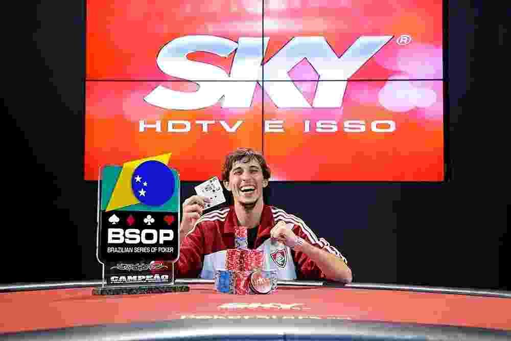 Felipe Carriço foi o vencedor da etapa de Florianópolis do BSOP (Brazilian Series Of Poker), o campeonato brasileiro de pôquer, em 2014 - Divulgação/BSOP