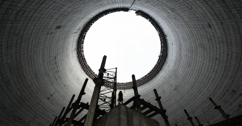 """6.ago.2015 - Imagem feita dentro de uma torre de uma usina nuclear em Chernobyl nunca finalizada, na Ucrânia. David De Rueda criou um projeto de fotografia chamado """"Abandoned Places"""" (locais abandonados, em tradução livre) disponível em sua página http://www.davidderueda.com/"""