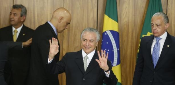 Michel Temer (PMDB) assume como presidente interino e nomeia seus ministros, em Brasília