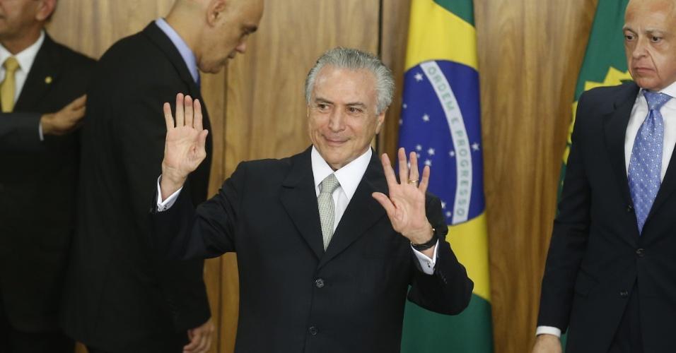 12.mai.2016 - Michel Temer (PMDB) assume como presidente interino e nomeia seus ministros, após a decisão do Senado pelo afastamento de Dilma Rousseff por 180 dias