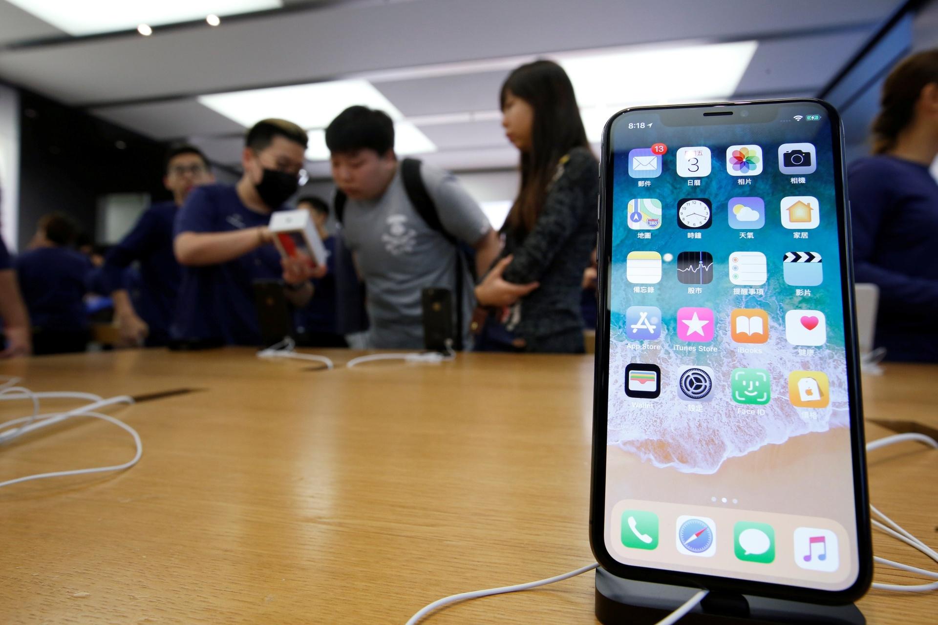 f0709e7f6 Vendas ruins podem fazer Apple baixar preço e retomar iPhone X - 22/11/2018  - UOL Tecnologia