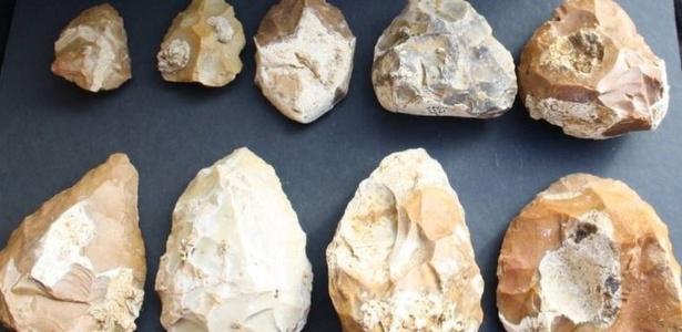 Pedras usadas pelo homem na Pré-história estão entre as descobertas feitas no local