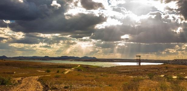 Seca na barragem Armando Ribeiro Gonçalves (Açu), a maior do RN