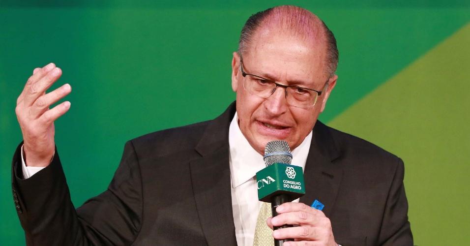 29.ago.2018 - Candidato à Presidência pelo PSDB, Geraldo Alckmin participa de sabatina promovida pela CNA (Confederação da Agricultura e Pecuária) e pelo Conselho do Agro, em Brasília