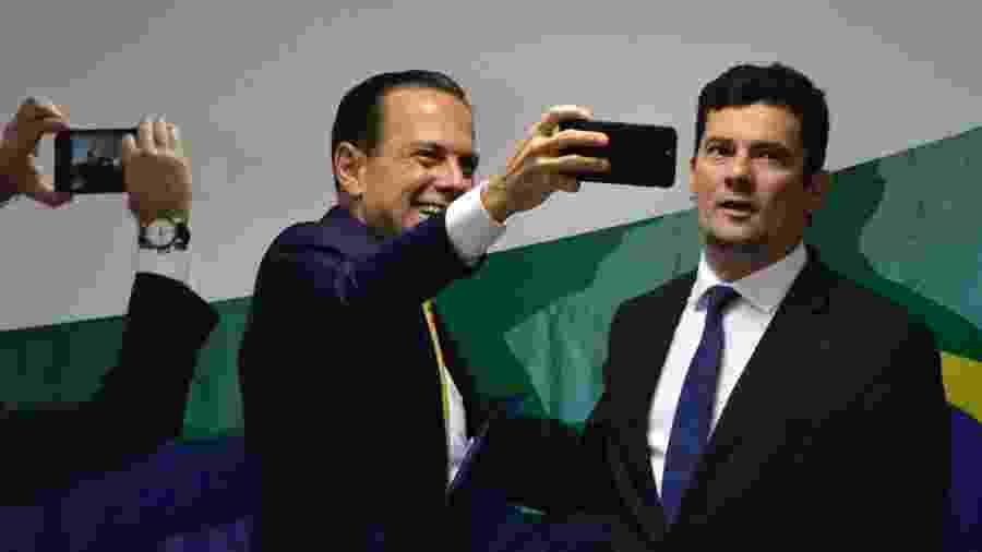 João Doria tira selfie com Sergio Moro em Brasília - Renato Costa - 12.dez.2018/Framephoto/Estadão Conteúdo
