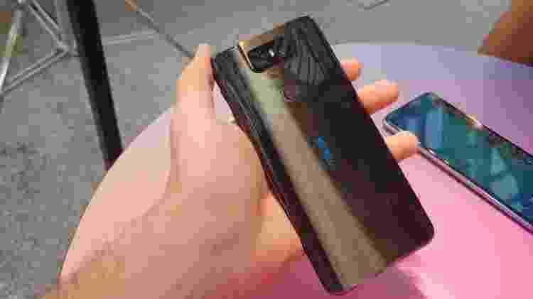 Traseira do novo Zenfone 6, da Asus - Rodrigo Trindade/UOL