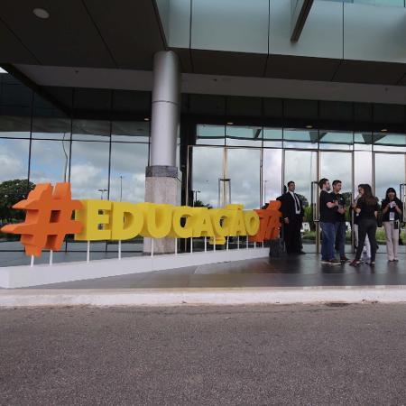 """Entrada do Centro de Eventos de Brasília, onde estava sendo realizado o evento """"Educação Já"""" - WALLACEMARTINS/FUTURA PRESS/ESTADÃO CONTEÚDO"""