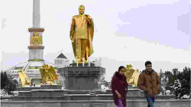 Turcomenistão estátua - Getty Images - Getty Images
