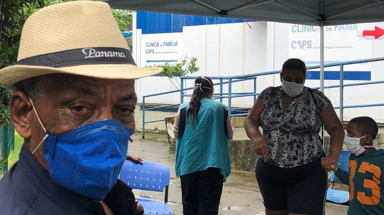 8.abr.2020 - Edinaldo Pereira de Assis chegou à unidade de saúde com dores no corpo e febre - Herculano Barreto Filho/UOL