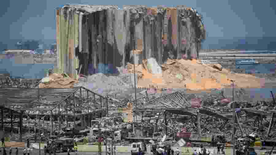 05/08/2020 - Porto de Beirute: foto mostra região portuária da capital libanesa um dia depois da dupla explosão - Daniel Carde/Getty Images