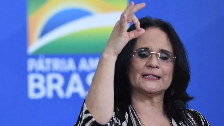 A ministra da Mulher, da Família e dos Direitos Humanos, Damares Alves, em cerimônia no Palácio do Planalto - Edu Andrade/Fatopress/Estadão Conteúdo