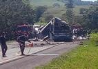 Corpos das vítimas do acidente entre ônibus e caminhão são identificados (Foto: Ademilson Tico/Futura Press/Estadão Conteúdo)