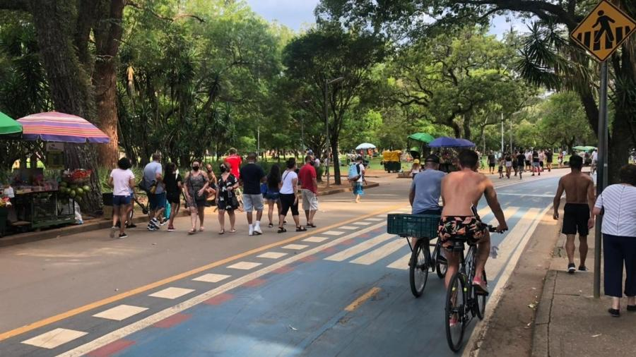 Frequentadores do parque Ibirapuera, em SP - Leonardo Martins/UOL