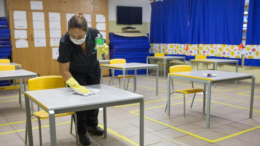 """""""Capacidade máxima inicial de recebimento de alunos para atividades presenciais deverá ser de 35%"""" nas escolas, segundo o decreto - Tiago Queiroz/Estadão Conteúdo"""