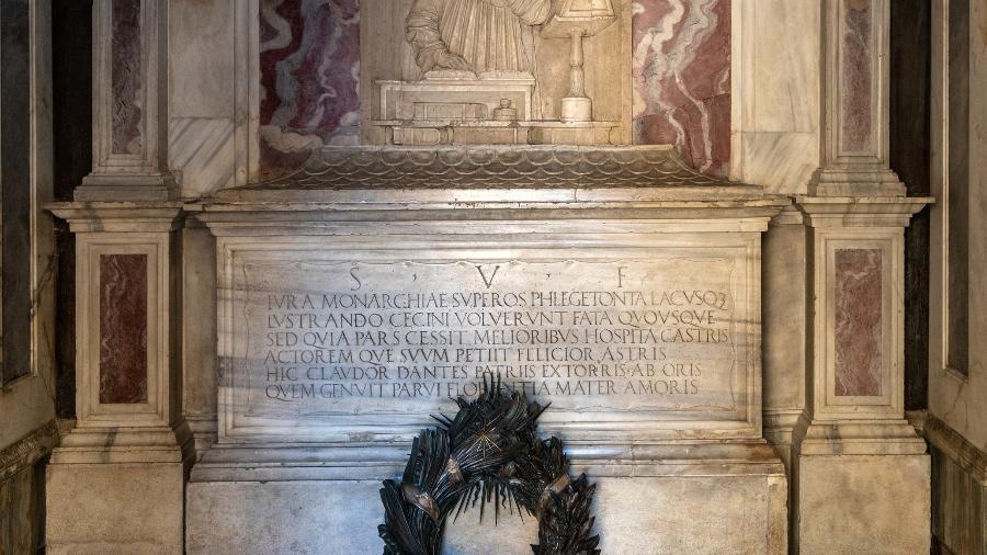 O túmulo monumental do mais famoso poeta italiano Dante Alighieri em Ravenna, Emilia Romagna, Itália - Getty Images