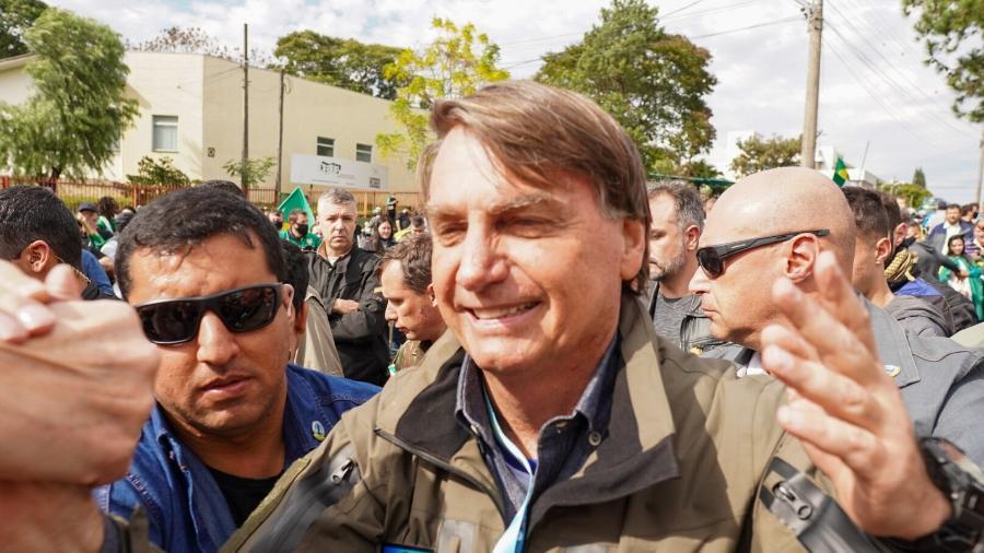 26.jun.2021 - Em visita a Chapecó (SC), o presidente Jair Bolsonaro voltou a causar aglomeração  - Douglas Abreu/Ishoot/Estadão Conteúdo