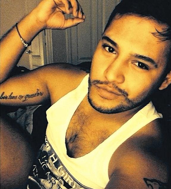 """Frank Hernandez tinha 27 anos e foi uma das vítimas do massacre de Orlando (EUA). Ele tinha tatuada no seu braço direito a frase """"amor não tem gênero"""". Ele havia se mudado há três anos de Lousiana para a cidade da Flórida"""