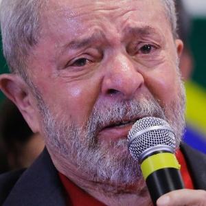 O ex-presidente Lula se emocionou durante pronunciamento feito nesta quinta-feira (15) em um hotel no centro de São Paulo