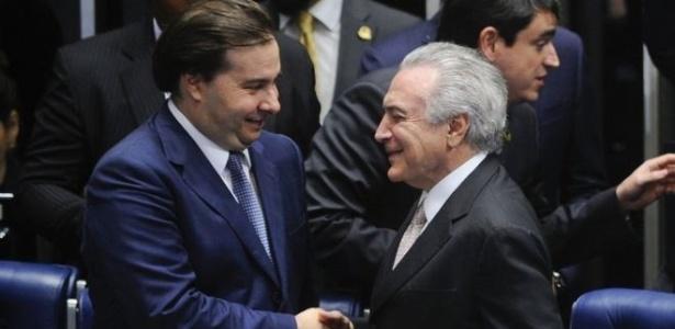 Rodrigo Maia assumirá o Planalto se Michel Temer for afastado