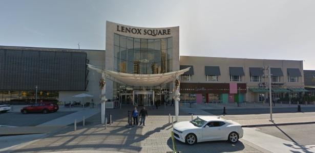 Loja, onde arma foi encontrada, fica dentro do shopping Lenox Square, em Atlanta - Reprodução/Google Street View