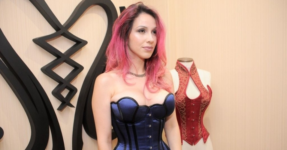Madame Sher Corsets dona Leandra Rios, a Sher