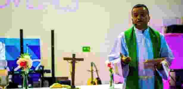 Padre Cristian Echeverry foi aluno do curso de exorcistas - Arquivo pessoal