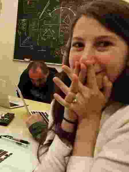 Katie Bouman, uma das cientistas responsáveis pelo algoritmo que levou à imagem do buraco negro - Reprodução/Facebook