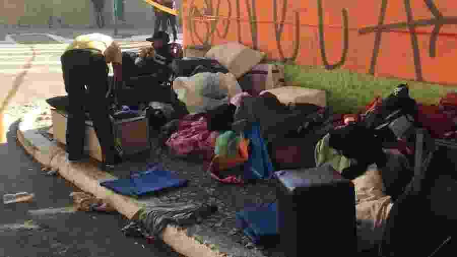 29.jul.2017 - A Prefeitura de Sao Paulo faz uma operacao de retirada de sem-tetos debaixo do viaduto Julio de Mesquita Neto, na regiao da Bela Vista, centro de Sao Paulo - Martha Alves/Folhapress