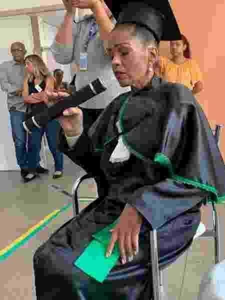 Com câncer terminal, a estudante de enfermagem Ana Cristina Gualberto recebeu título honorário em hospital do Distrito Federal - Divulgação