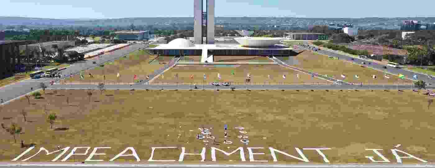 """""""Movimento Nosso Brasil"""" estendeu dizeres na manhã deste sábado - Dida Sampaio/AE"""