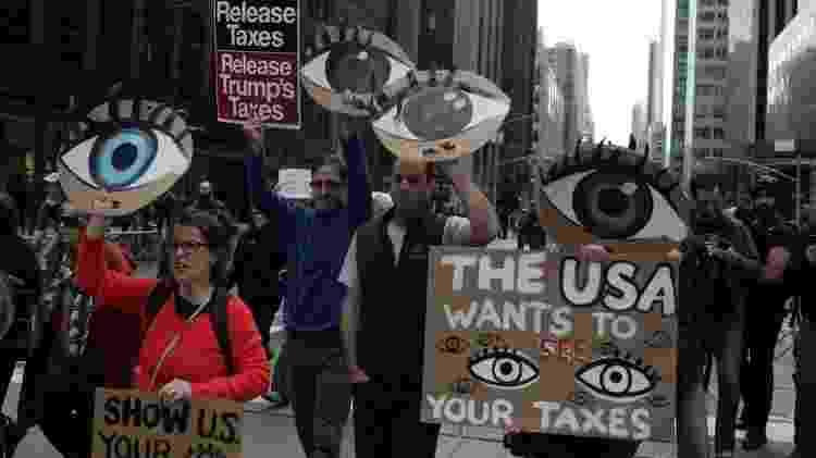 Manifestação em 2017 pediu revelação de dados sobre pagamento de impostos por Trump - Reuters - Reuters